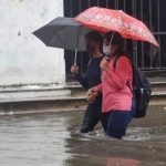Kolkata witnesses Monsoon Wading: Normal life thrown out of gear